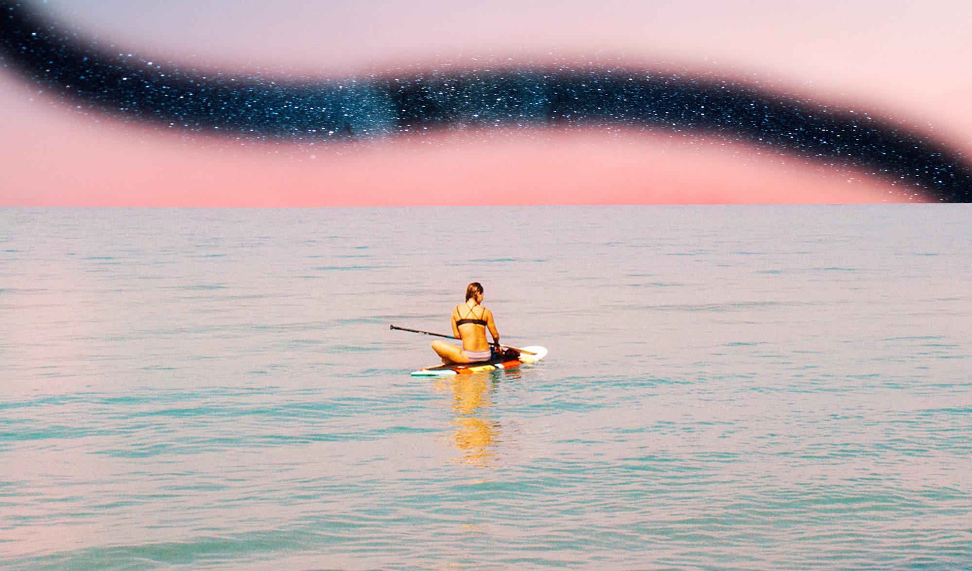 Sup yoga = la meditazione tra le onde che allontana lo stress. Bufala o verità?