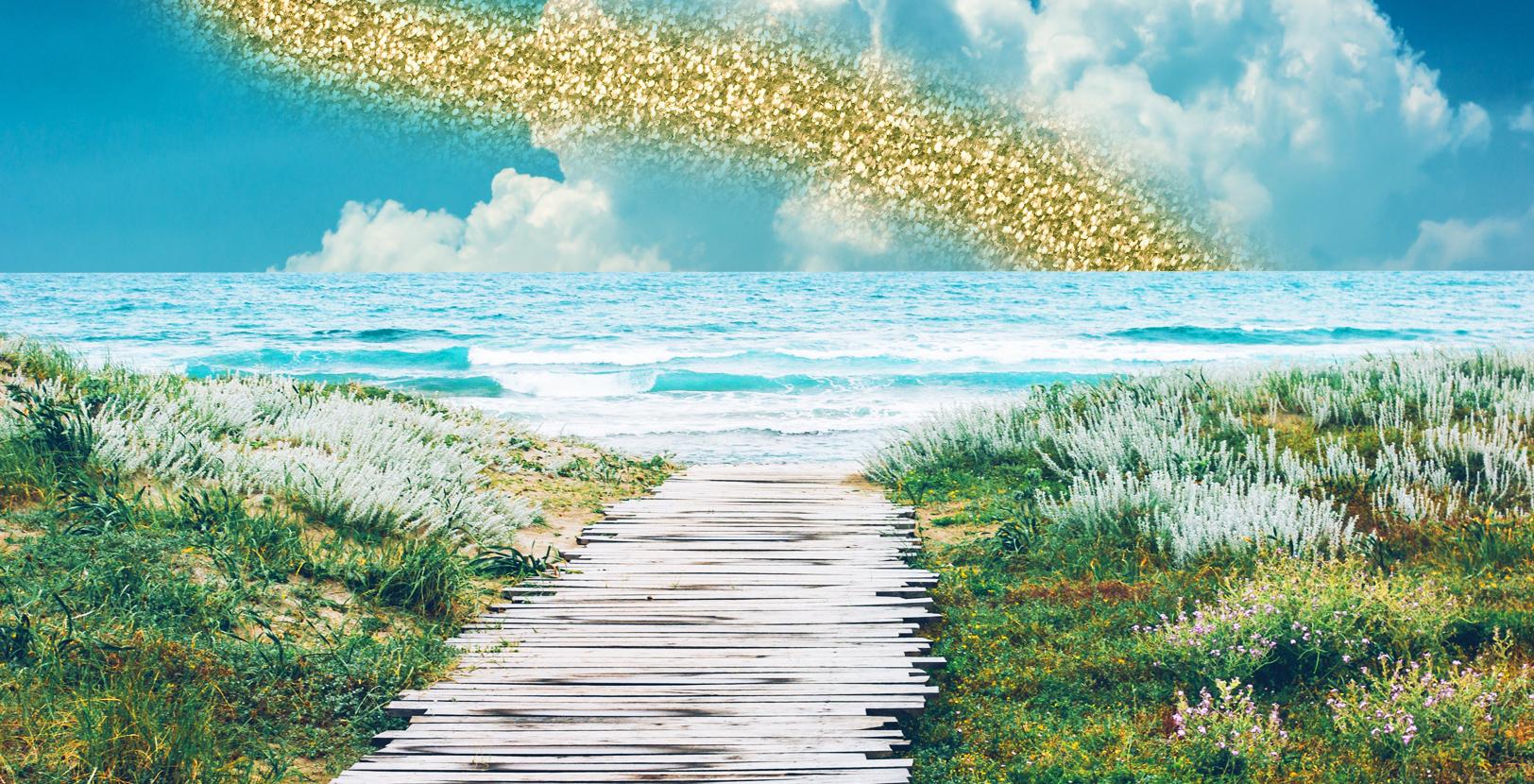 Voglia di mare ma non di fare la coda? Le spiagge raggiungibili in treno più belle